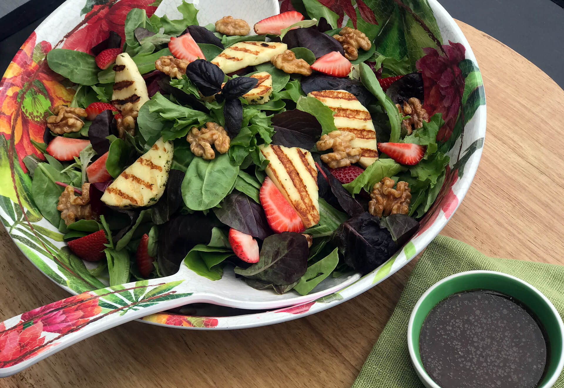 Grilled Halloumi & Strawberry Salad